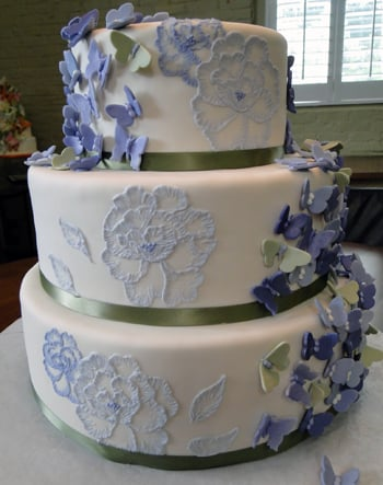 Brush embroidery cake
