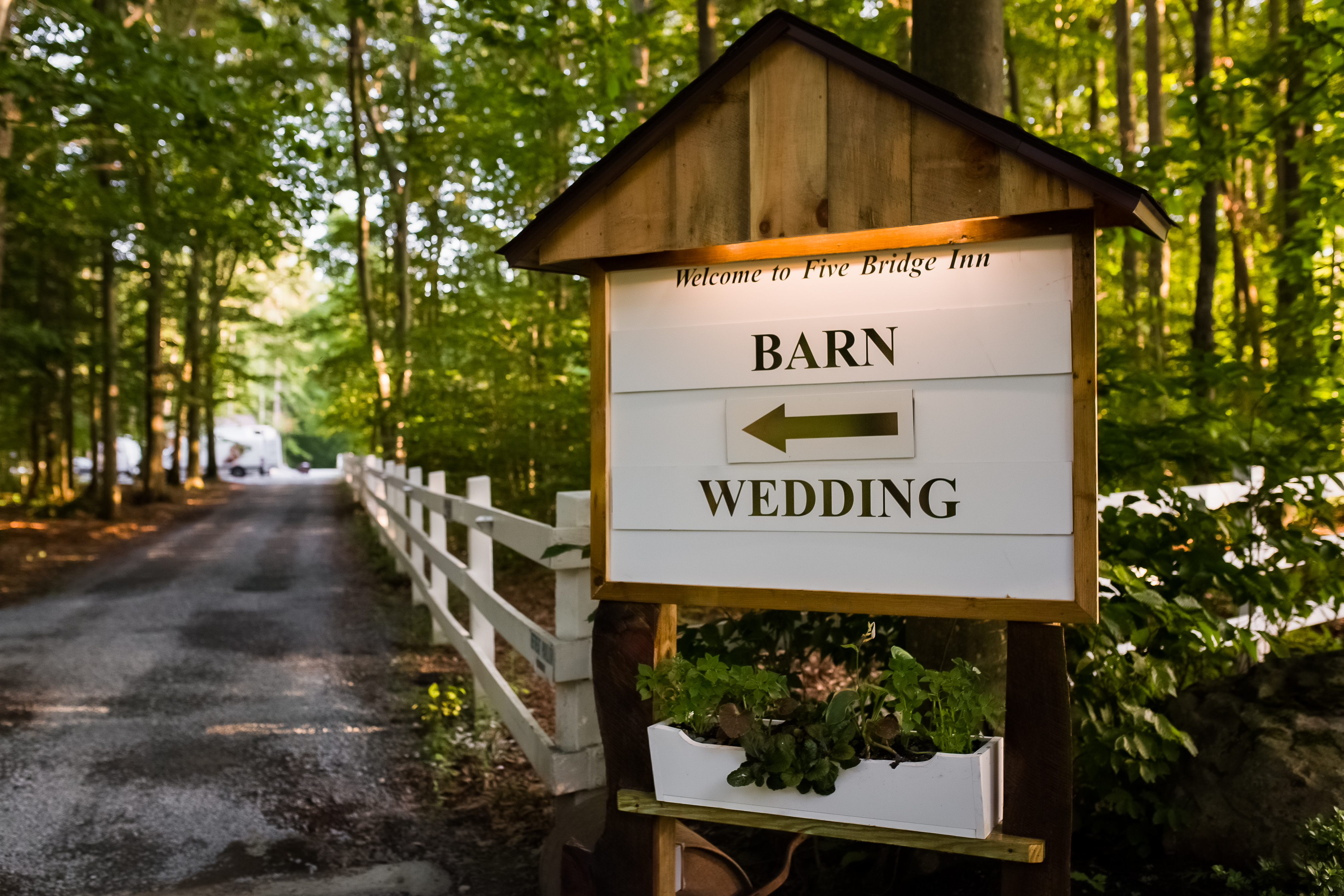 Five Bridge Inn Wedding Barn