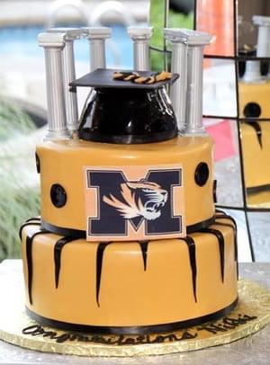 edited graduation cake1-0053