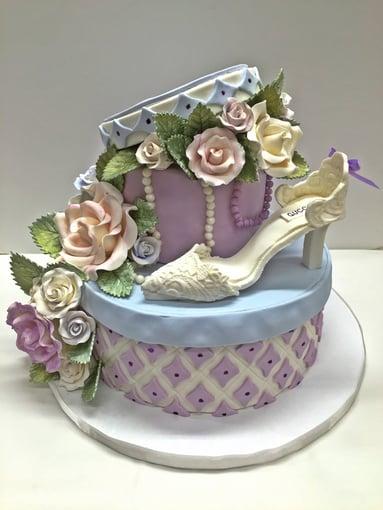 gucci cake.jpg